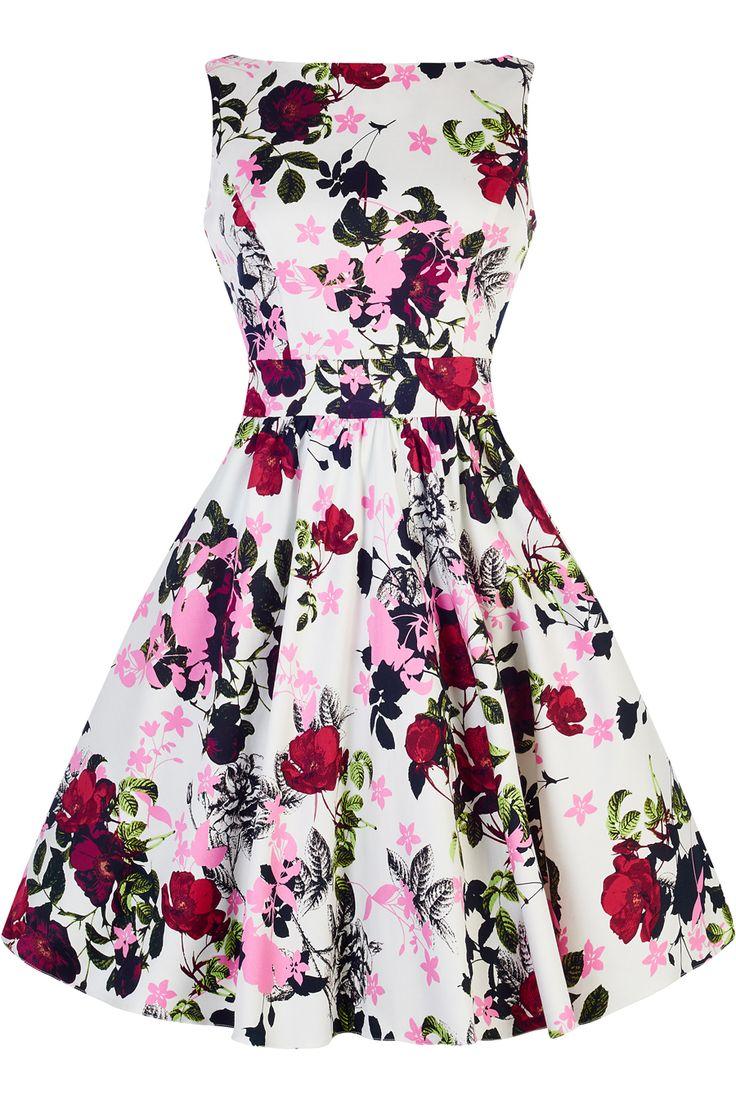 Retro šaty Lady V London Violet Floral Tea Retro šaty ve stylu 50. let. Dokonalý model z londýnské módní dílny Lady V London vhodný na svatby, zahradní oslavy, večírky pod širým nebem nebo krásné letní dny. Nádherný motiv květin na bílém podkladu Vás přenese do rozkvetlých zahrad. Příjemný pružný materiál (97% bavlna, 3% elastan), pohodlný střih s lodičkovým výstřihem, vzadu lehce vykrojené se zapínáním na zip a vázačkou zajistí skvělé přilnutí k Vaší postavě. Můžete doplnit spodničkou v…