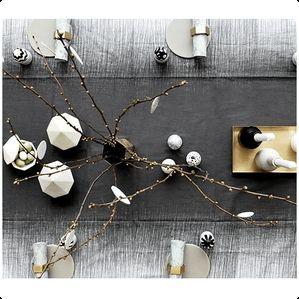 Pen-pöytäliina, kynttilänjalat, Hexagon-vaasi, Ferm Living-merkin tuotteilla luot upean kattauksen!