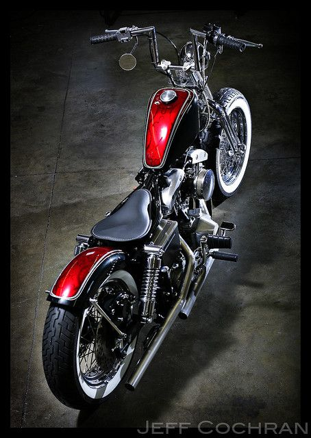 jay-rad:    inallthingsbalance:    Red/Black Shovelhead Bobber    ZOMG! want!