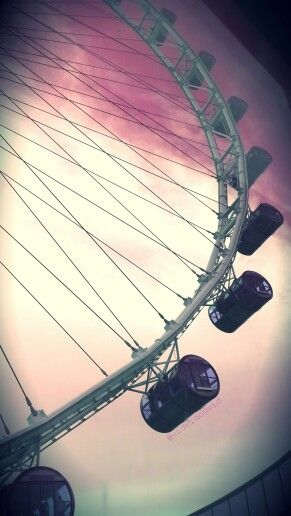 """Let's say """"Hello world!!"""" from 1500 m above the sea level.. :) #SingaporeFlyer #Singapore"""