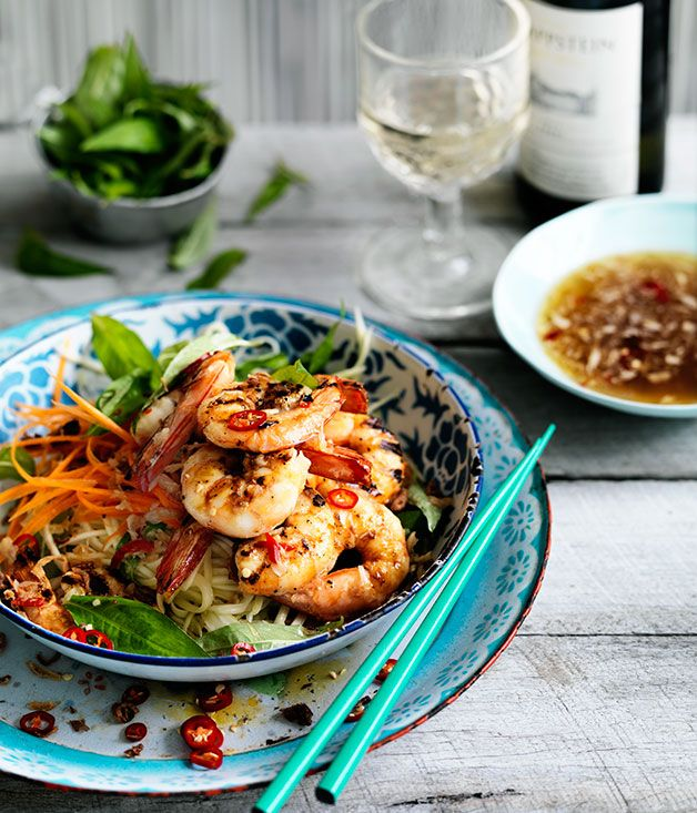 Vietnamese Grilled prawn and green mango salad (goi xoai)