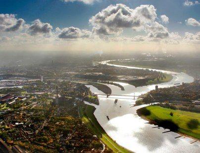 Städtetrips in NRW: 48 Stunden in Duisburg. Hafenpanorama in Duisburg, © Duisport / Hans Blossey