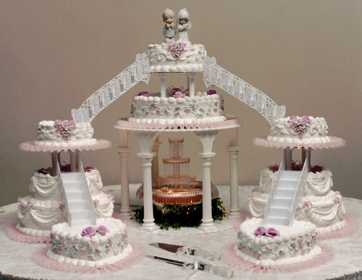 mc arthurs bakery wedding cake with fountains and bridges