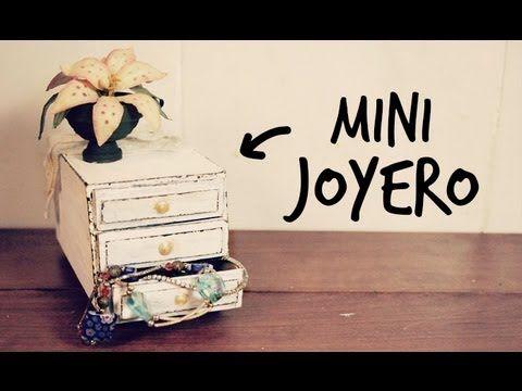 tutorial de como hacer un mini joyero super facil ,bonito y barato ...... :) en youtube