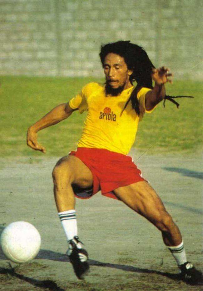 Bob Marley playing soccer Chico Buarque camp, Barra da Tijuca, Rio de Janeiro, Brasil, March 1980