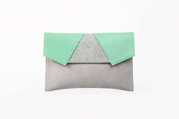 Bodycon screenprinted leather clutch / Green #BLACKLIST #blacklistdesign #screenprinted #leather #screenprintedleather #clutch #bag #bagdesign #budapest