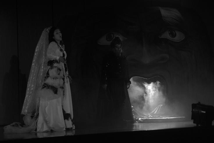 Taller de Ópera de la Universidad Central. Interpretarán Amelia al Ballo y The Old Maif and the Thief de Gian Carlo Menotti.   Miércoles 31 de oct -  jueves 1 de niviembre 7:30pm Auditorio León de Greiff.