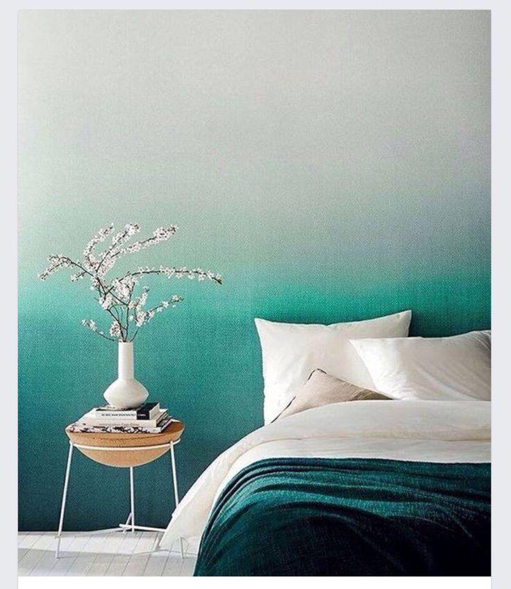 переход цвета на стене