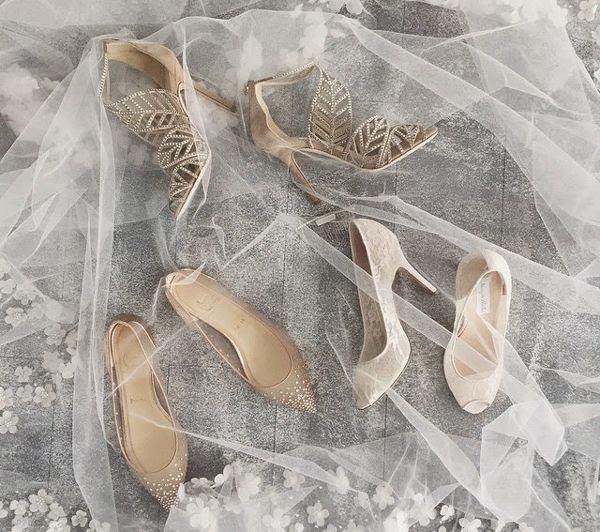 ¿Hay algo que suscite más pasiones entre las mujeres que unos bonitos zapatos? Los de ella, la novia. BodaMás, portal de Bodas de El Corte Inglés.