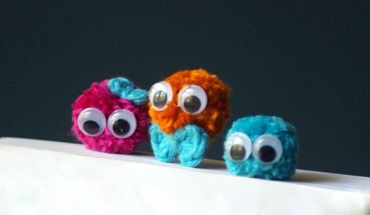 Free Bookmark Crochet Tutorial from TwoGirlsPatterns