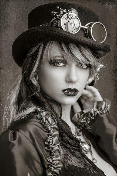 Steampunk fashion - Lingerie Corsets - Steampunk