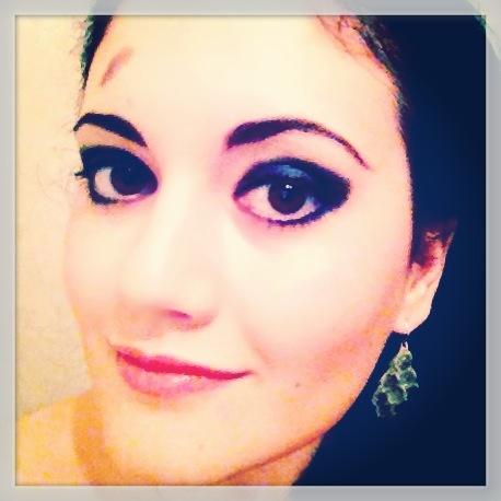Новый эксперимент))))  Клубный макияж...  Если интересно, как его сделать - пишите...запишу видео инструкцию по шагам..;)