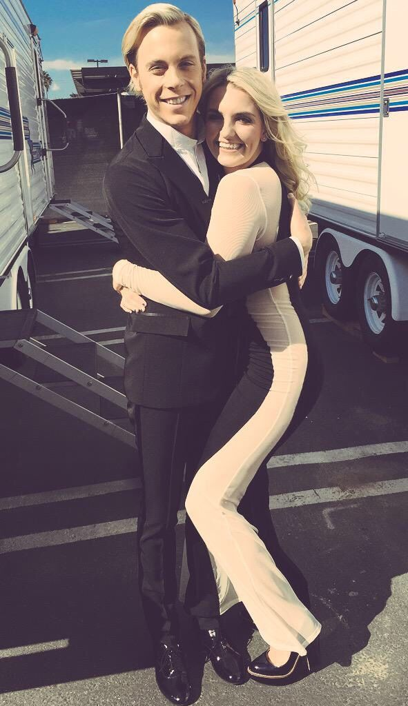 Riker and Rydel at DWTS 2015