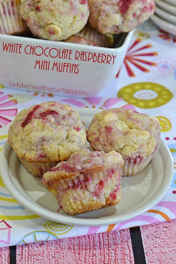 White Chocolate Raspberry Mini Muffins | This muffin may be little but it packs a punch when it comes to flavor. With lots of fresh raspberries and little