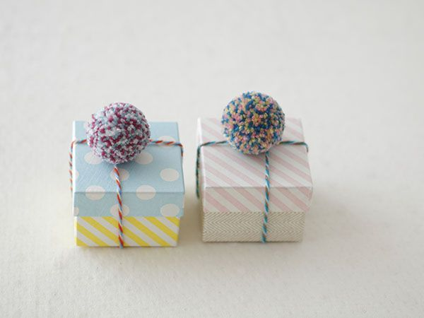 pompon wrapping
