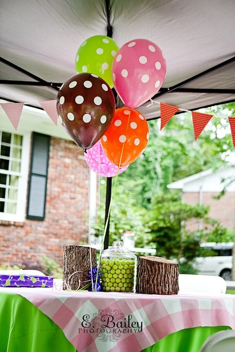 You can't get much more festive than polka dot balloons!!!