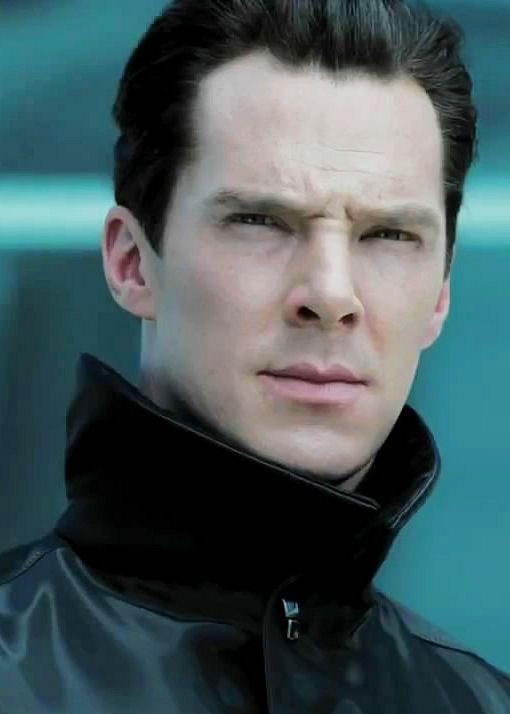 Benedict Cumberbatch in the new Star Trek Into Darkness trailer