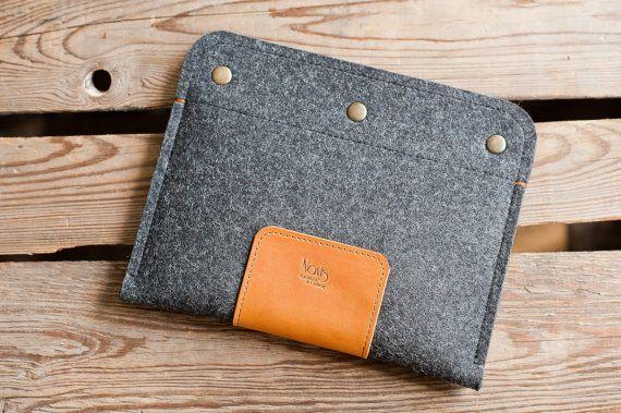 iPad mini Sleeve Radio  leather wool felt by TheNavis on Etsy, €39.00