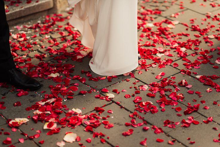 destination_wedding_photographer_artistic_emotional_documentary-wedding_cluj-napoca_romania_photo-wedding_day_-marriage_land-of-white-deer-59