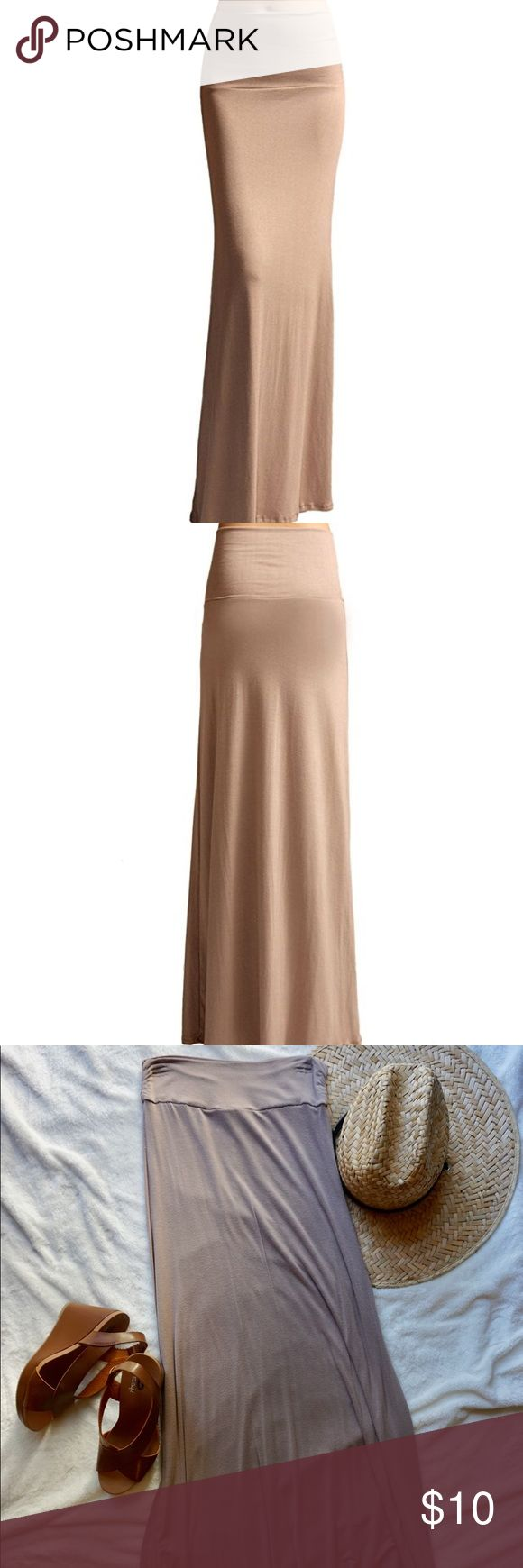 Tan Maxi Skirt Soft maxi skirt. Tan color. Stretchy material, great condition! Some light pilling but no stains or rips. Very flattering fit hugs your curves and slims the waist.❤️ Skirts Maxi