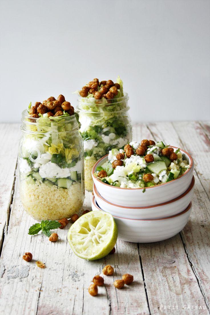Petit Gâteau : Shaking Salad - marokkanisch angehauchter Couscous-Salat im Glas, getoppt mit gerösteten Kichererbsen + ein kleines Gewinnspiel für euch
