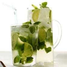 Mynta- och citronmeliss-cooler - Recept - Tasteline.com