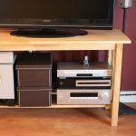 Organizar y ocultar sus cuerdas TVQue buena idea para organizar los cables!