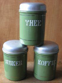 """Drie groen geëmailleerde """"koffie - thee - suiker """" bussen - jaren '40/'50"""