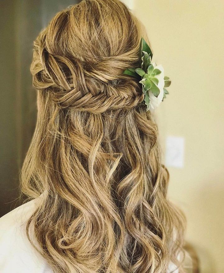 17 Best Ideas About Wedding Hairstyles On Pinterest: 17 Best Ideas About Partial Updo On Pinterest