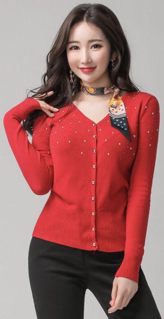 StyleOnme_Twinkle Star V-Neck Cardigan #red #cubic #cardigan #koreanfashion #kstyle #kfashion #dailylook #springtrend #seoul