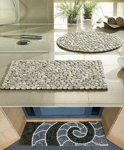 Tapete para la entrada con piedras de río. Super hermoso... muy buena idea