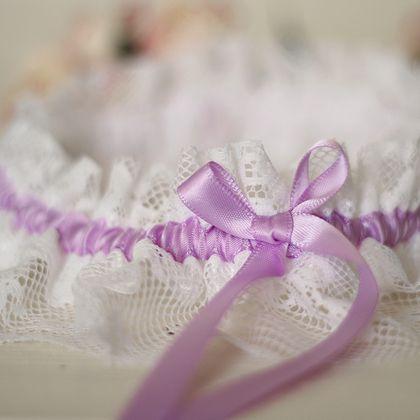 Свадебная подвязка с сиреневой лентой - свадьба,свадебные аксессуары,свадебное украшение