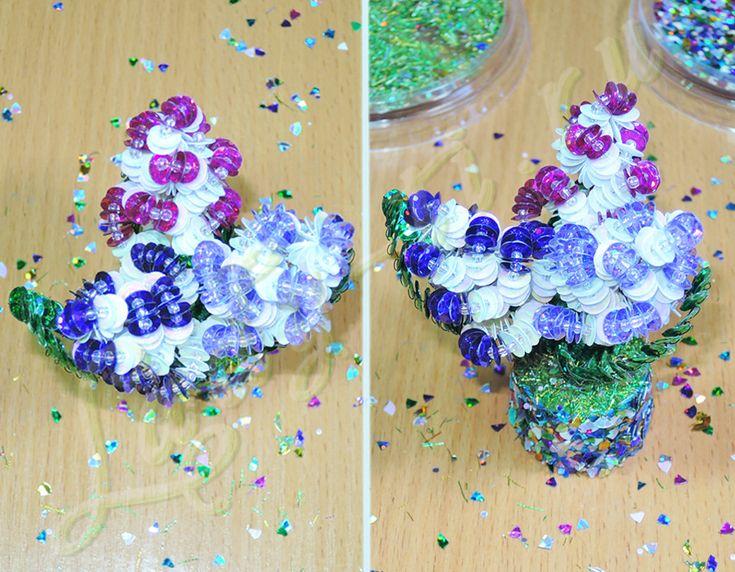 Букетик цветов из пайеток, бисера и проволоки
