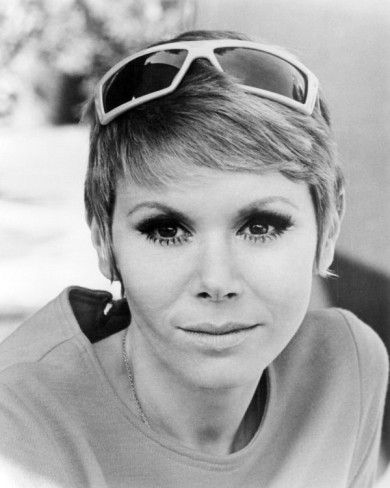 English actress Judy Carne (1939-2015) was born Joyce Botterill in Northampton, England. After building herself a career on British telly, she came to the States in 1962. Acting in film and telly, her comedic talent really shined as a cast member of the weekly variety show 'Rowan & Martin's Laugh-In', 1967-1971