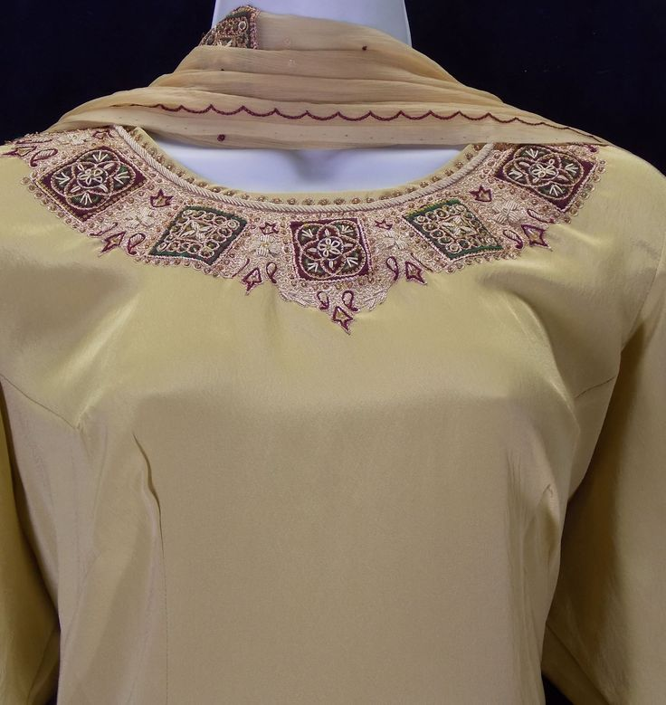 A classic older style of neckline embroidery