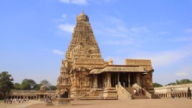 Brahadeeswarar temple - Thanjavur, Tamil nadu,India. No indigenous rocks used & mystery of monolithic bull - Navrang India