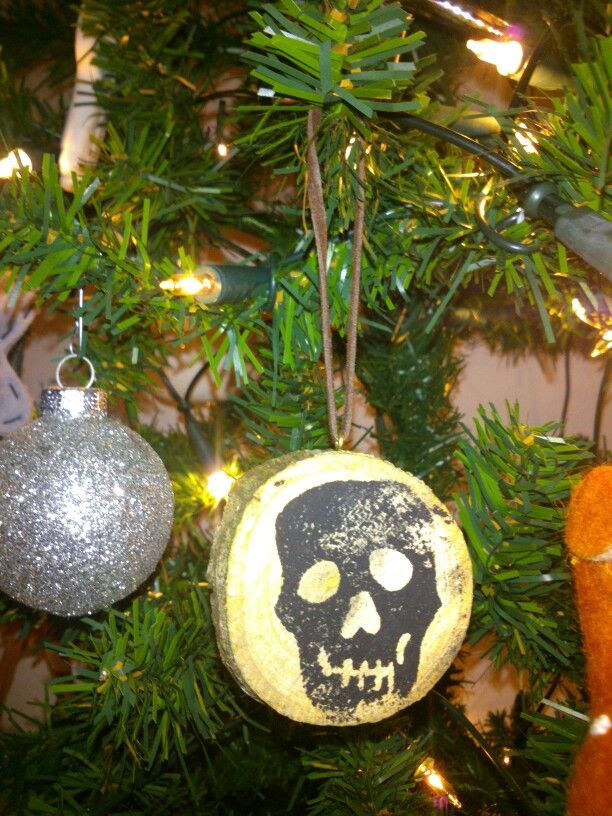 DIY wooden christmas ornaments with stamp