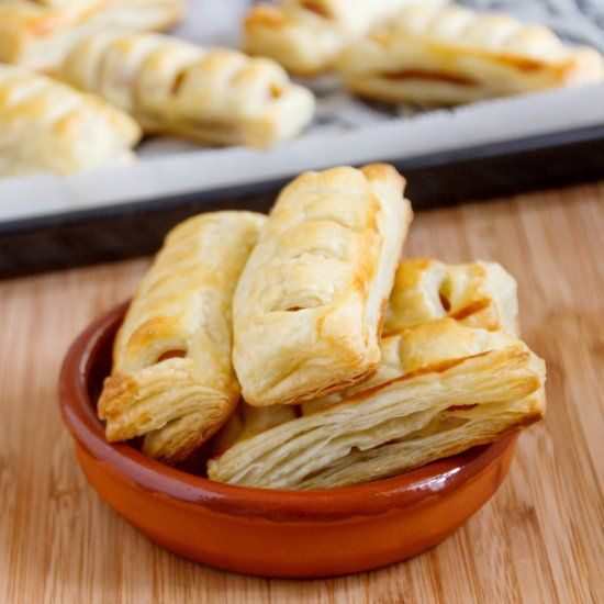 Easy party snacks, Pigs in a blanket and Sausage rolls on Pinterest