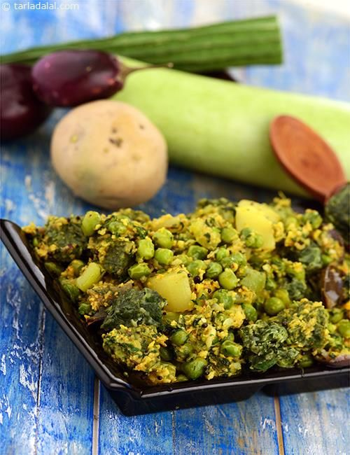 Panchkutiyu Shaak, a sumptuous preparation of five types of vegetables cooked in a gujarati style coriander and coconut masala. The combination of vegetables with methi muthia makes this dish comparable to oondhiya.