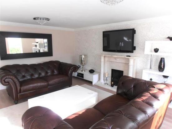 42 Kingfisher Close  Formal Lounge