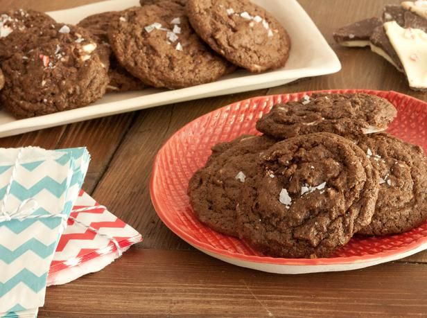 Peppermint Bark Chocolate Cookies Recipe : Decorating : Home & Garden Television