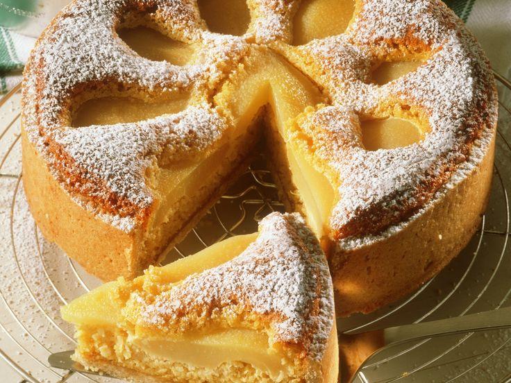 Birnenkuchen mit Mandeln - smarter - Zeit: 40 Min. | eatsmarter.de