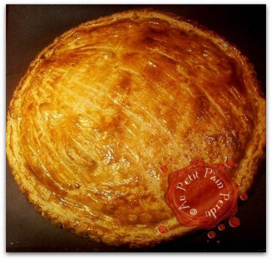 """750g vous propose la recette """"Recette de la Galette des Rois Butternut-Reblochon"""" publiée par petitpainperdu."""