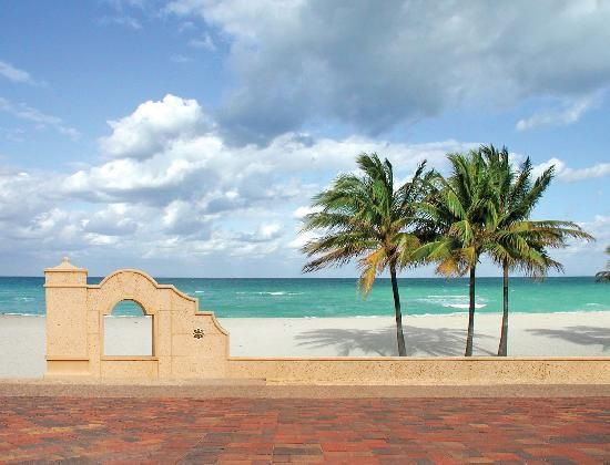 Hollywood Beach Is the Best Place on Earth, and Here's Why