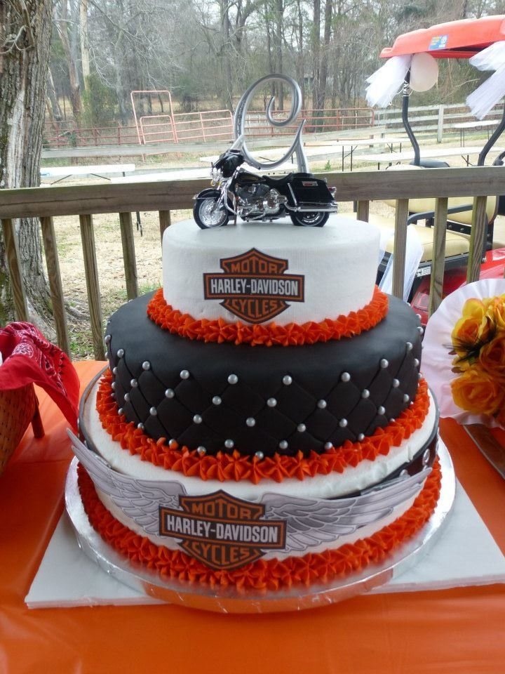 Harley Davidson Wedding Cake I Like The Initial At Top Of Topper Too Party Ideas Pinterest Cakes And