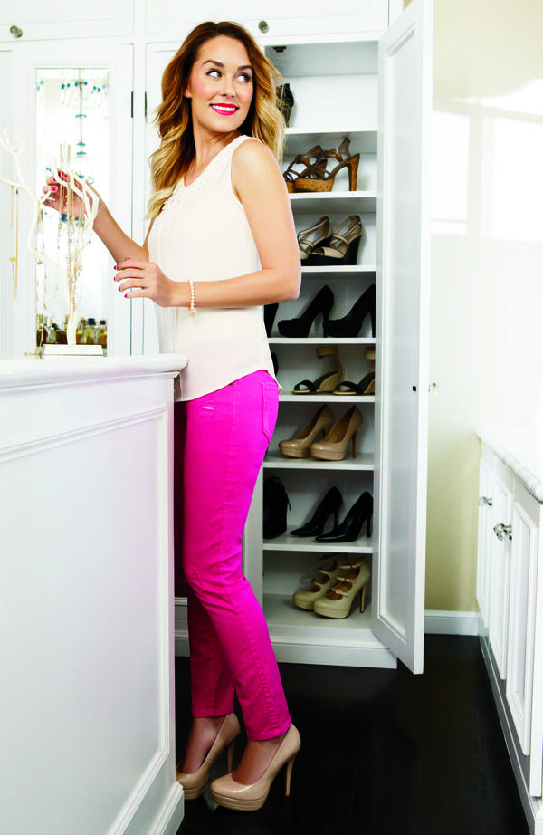 Lauren conrad: white tank, hot pink pants, neutral heels (picture perfect)