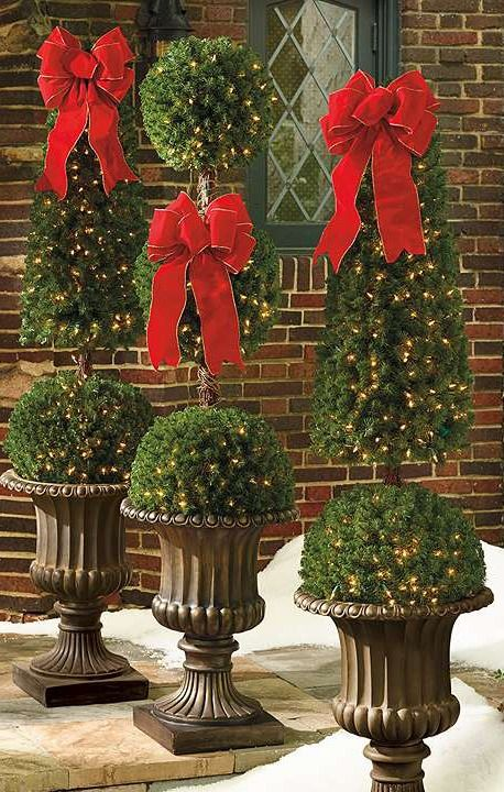 Ideal for holiday decorating and year-round use, the bold, contemporary Pre-lit Triple Ball Topiary delivers seasonal sparkle on a porch or in a foyer, standing tall with a minimal footprint.