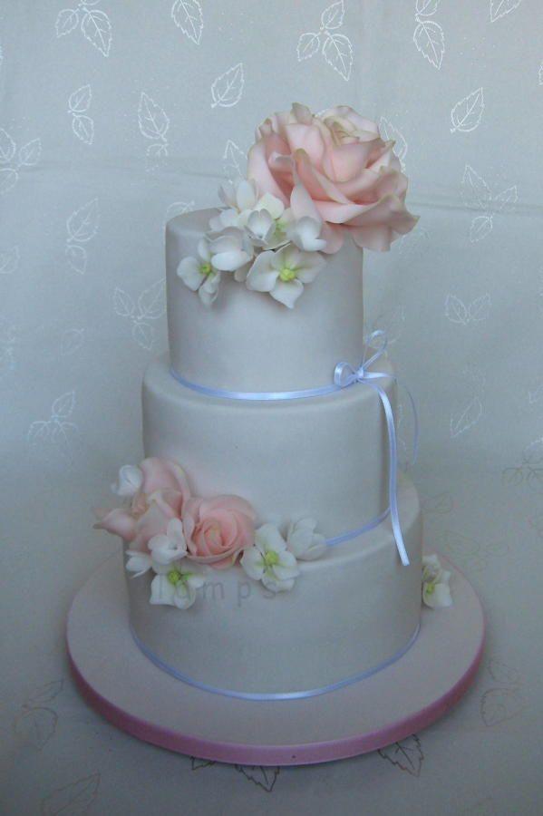Wedding cake by lamps - http://cakesdecor.com/cakes/262153-wedding-cake