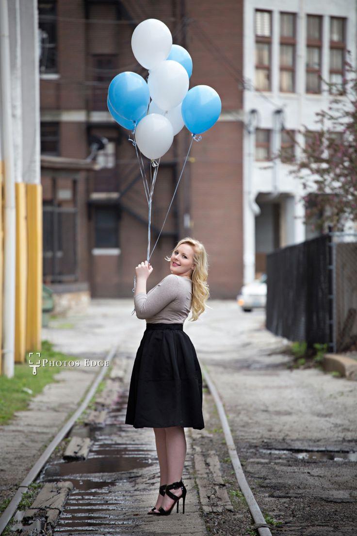 I love the balloons.  Senior Pictures | Kansas City Photographer | Photos Edge | Senior Picture ideas  #seniorpictures #kansascityseniorpictures #photosedge www.photosedge.com