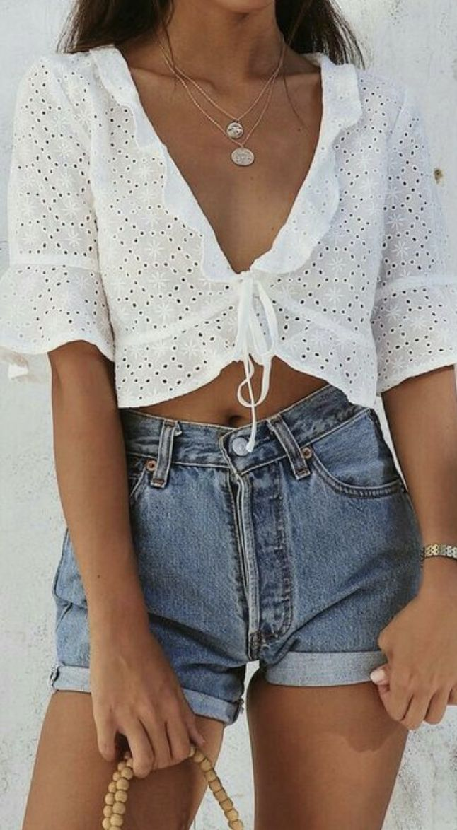 eyelet crop top + high wasited levis wedgie rolled shorts + layered necklaces | best outfits for photoshoot for bloggers | vacation outfit ideas for women | best casual summer outfits for the beach |